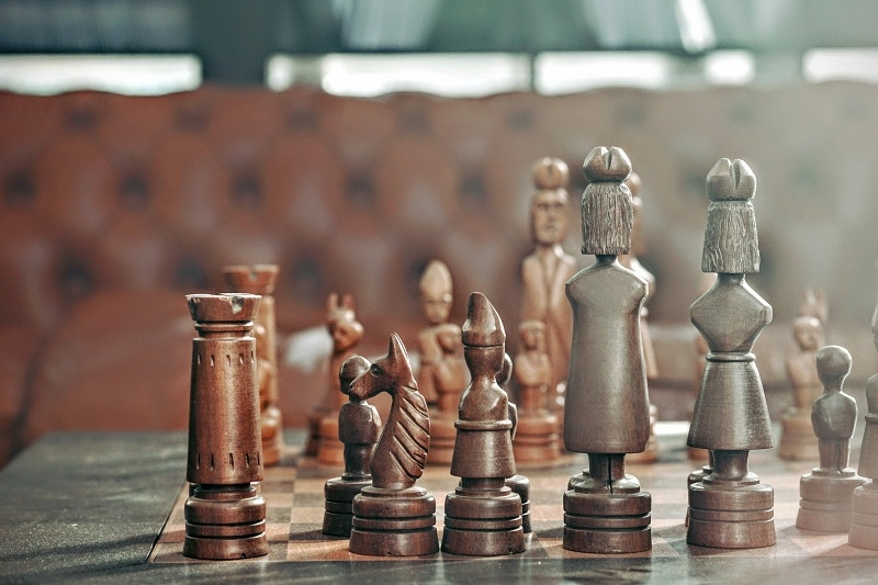 Weist-Law-Rechtsanwalt-attorney-lawyer-Dirk-Weist-71272-Renningen-Germany-specialised-in-international-commercial-law-chess-game